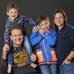 familie portret foto door danielle van der spek fotografie
